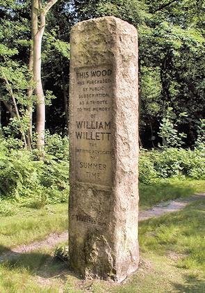 Petts-Wood-Willett-memorial-sundial